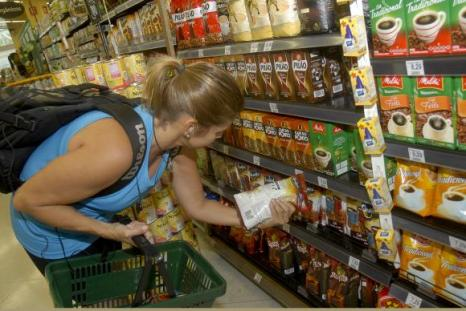 Queda da inflação entre fevereiro e março foi influenciada pelos preços no atacado e no varejoAgência Brasil